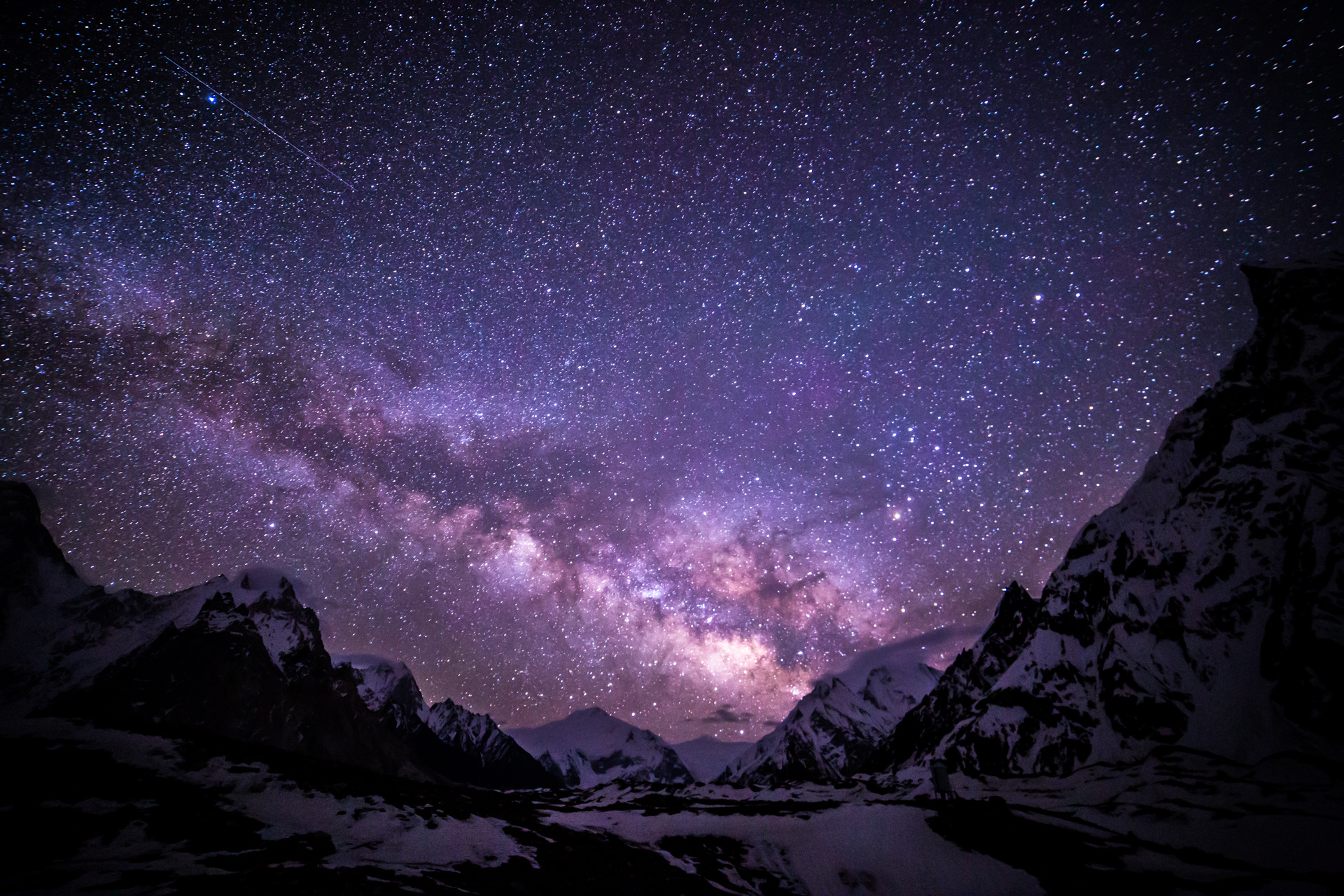 milky_way_at_concordia_camp_karakoram_range_pakistan